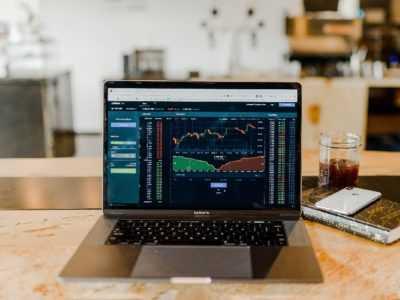 A guide to stock market API Python